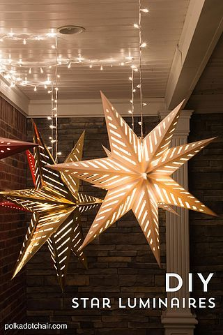Hanging Star Lanterns; a Christmas Front Porch Decorating Idea