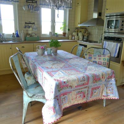 Decorating with Quilts.  Love the country kitchen/quilt table cloth! I'm going to have this someday!  ,