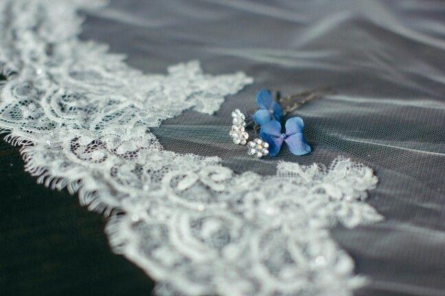 Wedding detail - something blue (Miriam Callegari Portraits&Storytelling @Villa Cernigliaro )