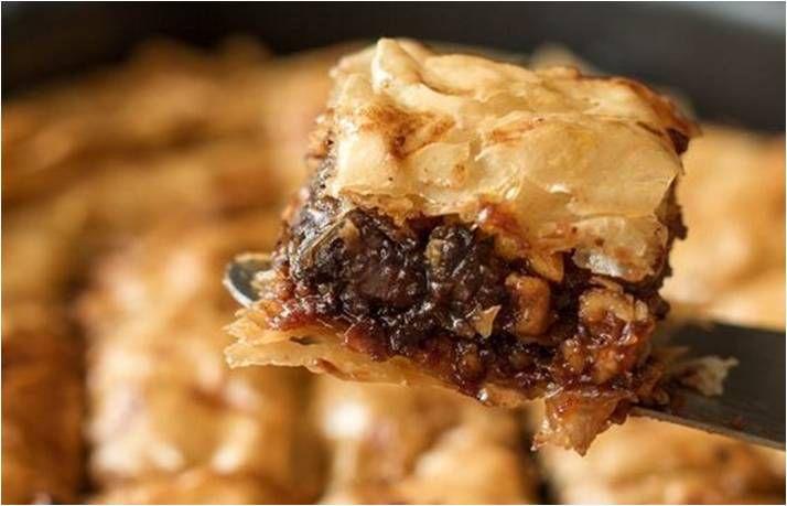 The famous baklava stuffed with Merenda chocolate hazelnut spread! http://agoragreekdelicacies.co.uk/online-shop/4570272291/Fresh-Corner