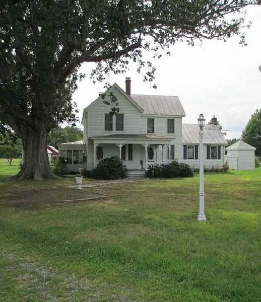 25 best ideas about american farmhouse on pinterest for Tidewater style homes