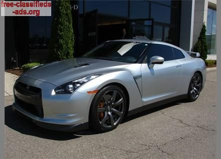 free-classifieds-ads.org - 2010 Nissan GT-R Premium in silver with black interior