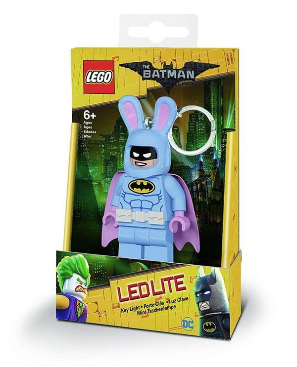 C'est pas fini ! Voici maintenant les lampes LED The LEGO Batman Movie: Et voici encore quelques produits dérivés qui viendront… #LEGO