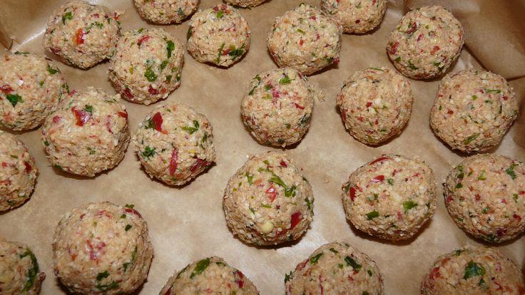 Chiftele din năut (falafel) în sos tomat (peste 1 an)