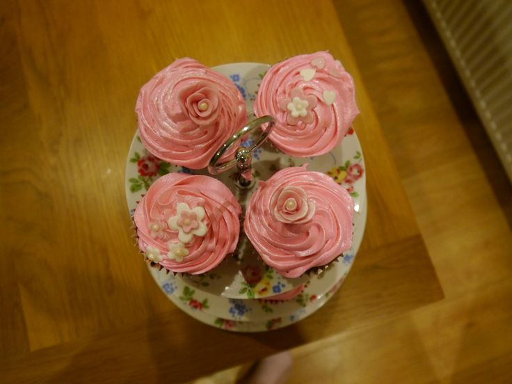 Pink raspberry marshmallow fluff cupcakes for Nicki's birthday
