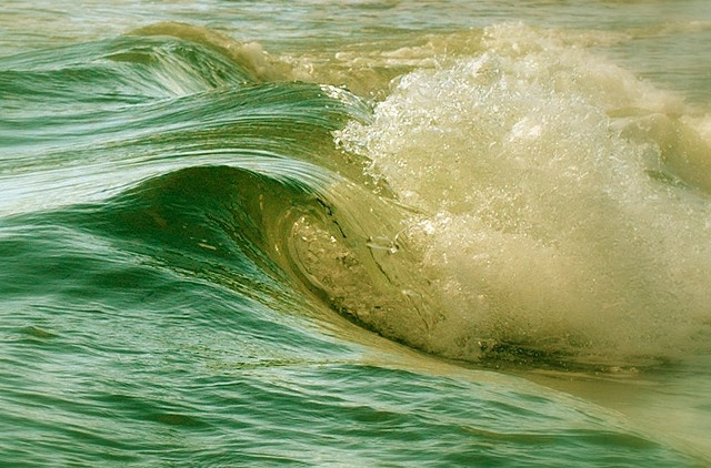 Living Waves by Today is a good day, via Flickr