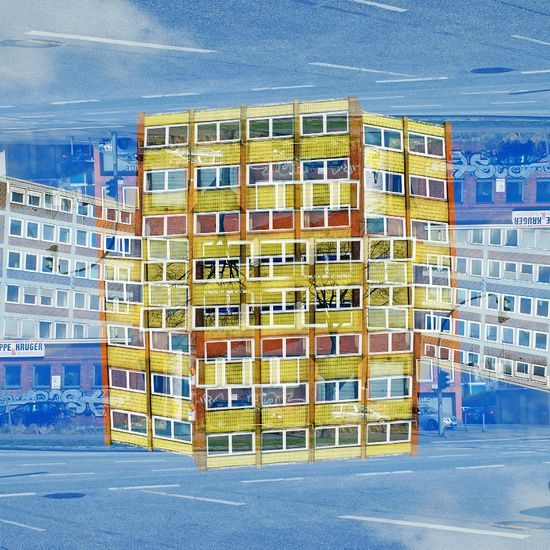 Neu in meiner Galerie bei OhMyPrints: Urbane Landschaft, Gelbes Haus