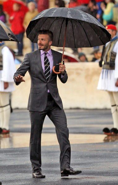 So fucking perfect: Umbrellas, Grey Suits, Dresses Up, David Beckham Suits, Men Style, Men Fashion, Beckham Photo, Davidbeckham, Hot Guys