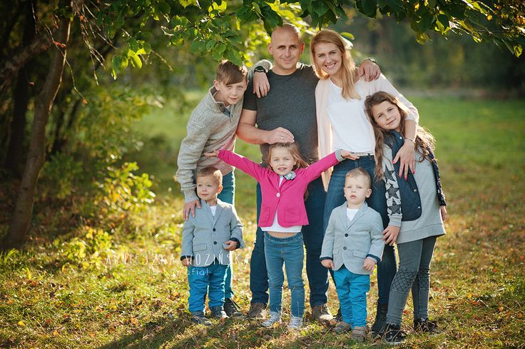 happy family, family possing, family outdoor session,