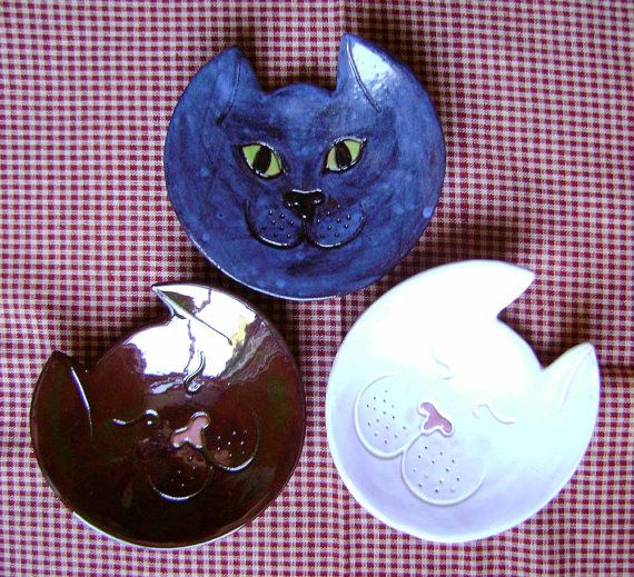 Kitty Ceramic Madge Dish, bowl, catchall, jewelry, ring holder, animal decor, soap dish, candle holder, teabag holder, spoon rest. on Etsy, $15.00