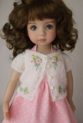 clothing example for doll (mk) very much like this kind of doll