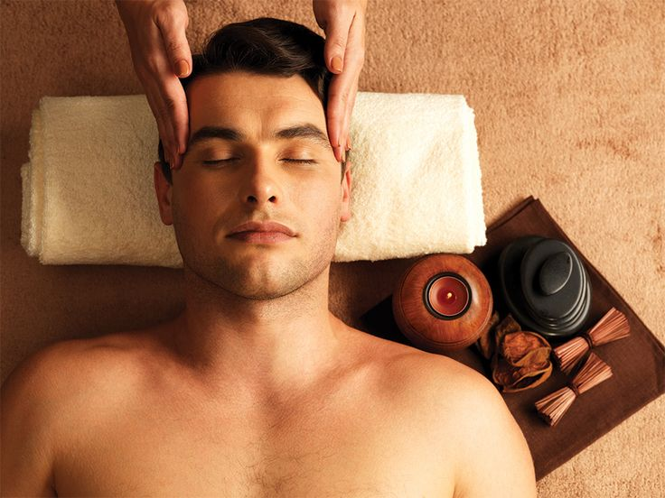 Calm your head and bring back the glow on your face with our face and head massage!