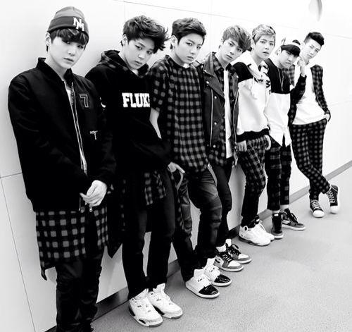 Yoongi (Suga/AGUSTD), Jimin, Jungkook, Seokjin (Jin), Taehyung (V), Hoseok (J-Hope) & Namjoon (Rapmonster).