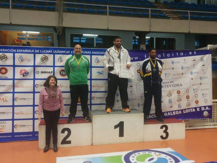 El luchador alavés logró una nueva medalla, aunque esta vez de plata, en el Campeonato de España de lucha olímpica disputado en Pontevedra.