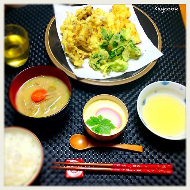 寒くてブルっときました急に茶碗蒸しが食べたくなったので、合わせて天ぷらの夕飯。舞茸と白身魚の天ぷらは子どもの好物 茶碗蒸しも好評でした。お出汁がいい感じで、ほっこり温まりました〜☺ - 70件のもぐもぐ - ど〜しても食べたかった「茶碗蒸し」メインで夕飯 by Kaycook