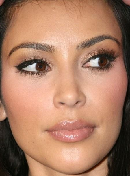 celebrity kim kardashian nose job 2013. Black Bedroom Furniture Sets. Home Design Ideas