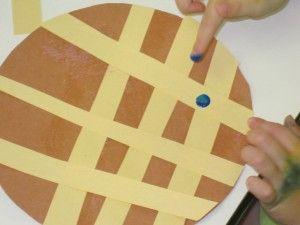 Simple blueberry pie craft activity.  From Teach Preschool.