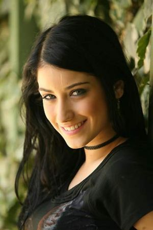 Hazal Kaya (18)
