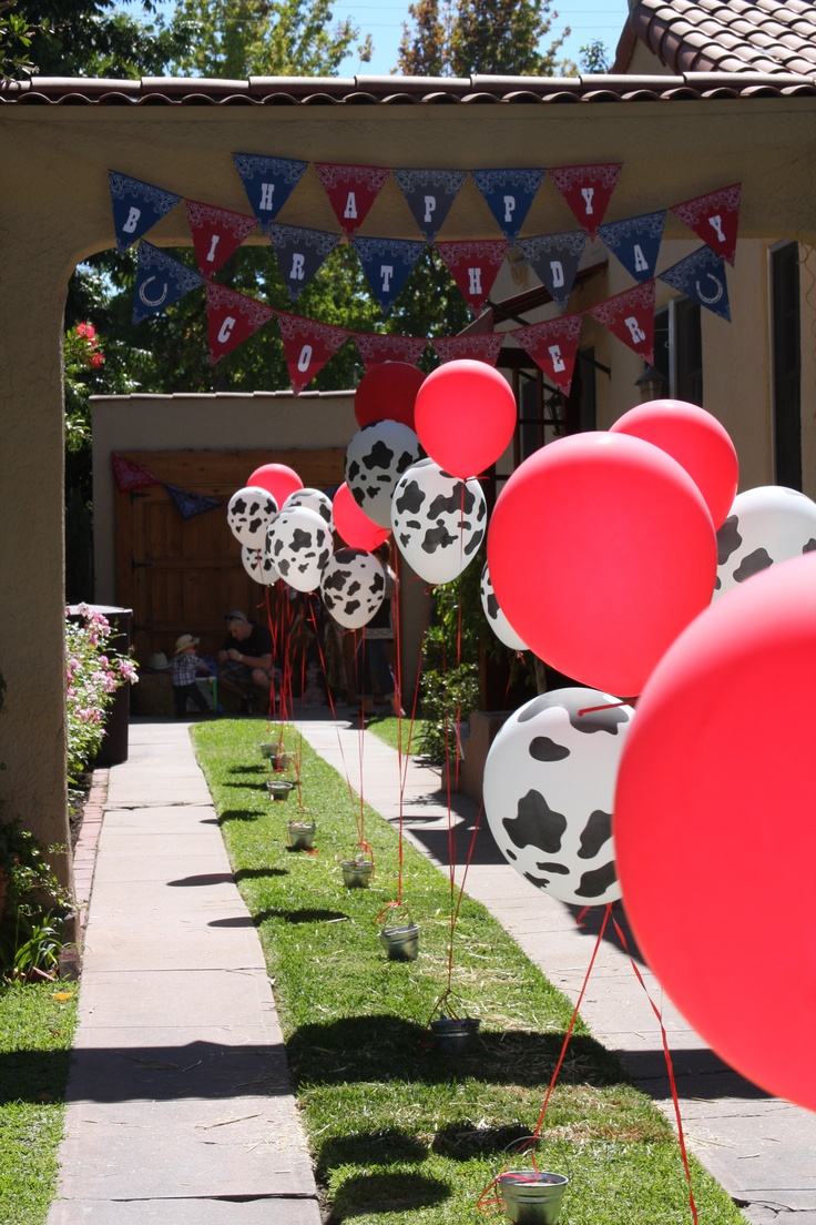 Great idea for a Western Party - you only need Red Balloons and Cow Print Balloons!