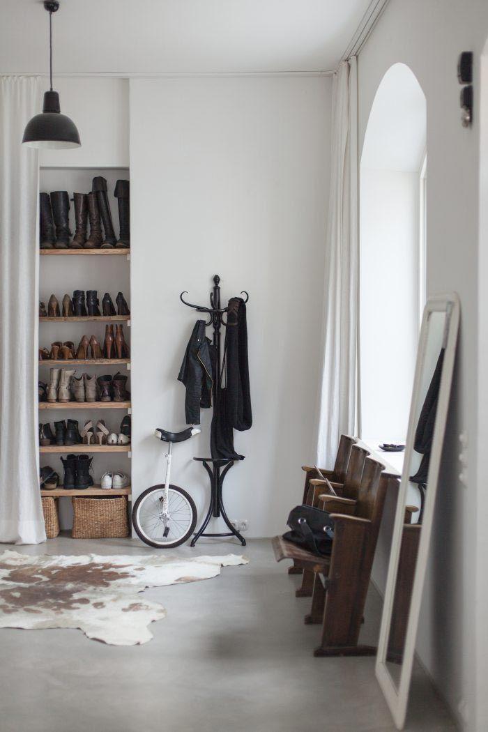 asientos-madera-cine-entrada-casa-familiar-estilo-nordico-escandinavo