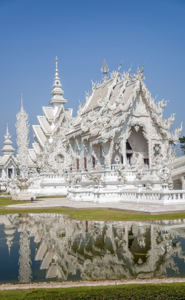 17 Best images about RONG KHUN TEMPLE on Pinterest  Buddhists, Snow queen an...