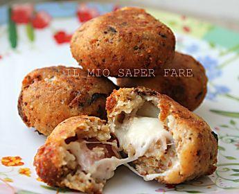 Polpette di pane ripiene con mozzarella e speck