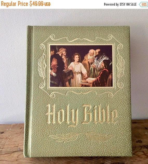 Presentation Holy Bible Green Illustrated Master Reference Edition King James Version First Communion / Holy Confirmation Gift Free Ship by VintageFlicker