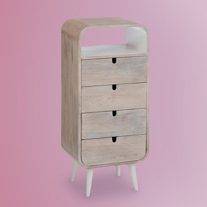 Y seguimos a tope con nuestros muebles... No nos digáis que esta cómoda no es una pasada! Disponible en nuestra tienda. Cómoda Retro de 4 cajones en madera natural.  #muebles #comoda #mueblesdediseño #cajones #retrostyle #retro #decoracion #decoration #decorationideas #homedecor #estilo #cosasbonitas #mueblesdemadera #mublesdecalidad #original #hogar #tiendaonline #calidad #diferente #gouconcept