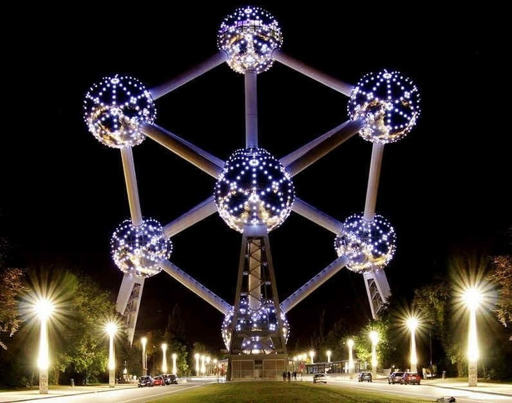 Atomium    Brussels  may 2013