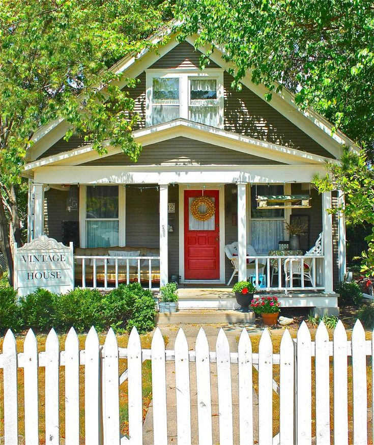 The Vintage House In Overland Park Kansas