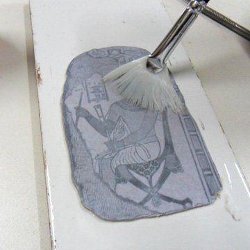 Maak zelf prachtige stukjes kunst met fimoklei en babyolie! Dit ideetje moet je echt gezien hebben!
