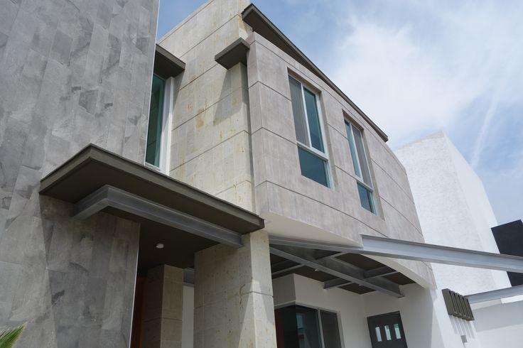 Home Cotto Club, Milenio III, Querétaro. Méx. Detalle de fachada