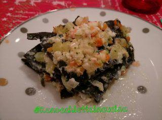 Lasagnetta al nero con gamberi e granchio--