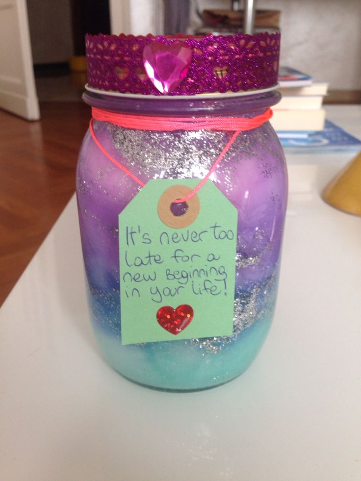 GALAXY JAR! Easy level⚓️ You need: -cotton -acrylic paint (pink violet blue and light blue) -silver glitter -water -a Little piece of colored paper -a heart sticker  -a blue pen How you do it: Take the light blue and put a Little inside a water glassa than mix it and put inside the jar and apply glitter and a thick lay of cotton. Do this until the end of the jar. Take the piece of paper and write something on it!❤️ ENJOY❤️⚓️