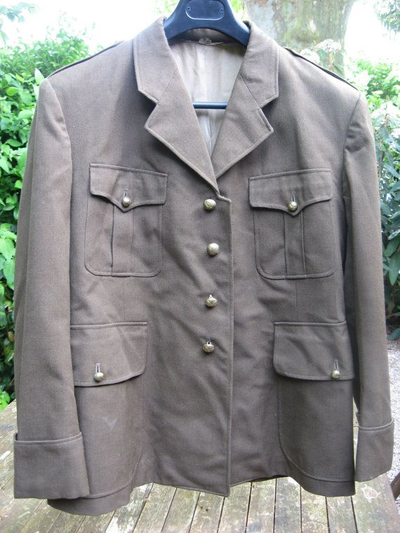 French Army Jacket 1950s-60s, authentic vintage wool military uniform, gold buttons stars & lightning. Vetement Succes label Great condition