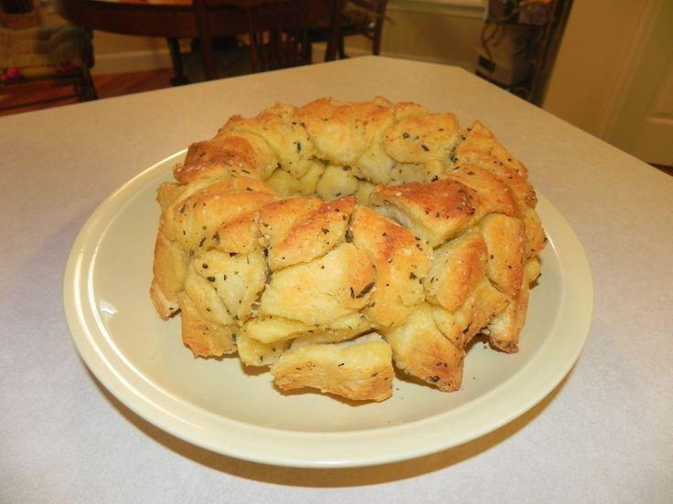 UN-MONKEY BREAD (BISCUIT GARLIC KNOTS)