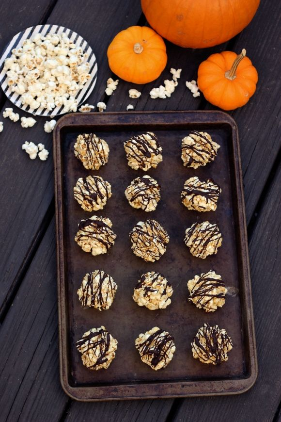 Healthy Halloween Recipes – Dark Chocolate Drizzled Popcorn Balls (Gluten & Dairy-Free) | Free People Blog