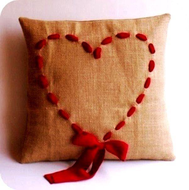 подушка в подарок своими руками