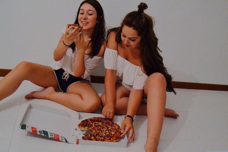 Friendship goals #pizza