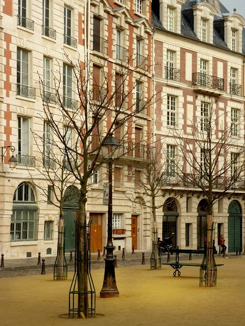 this is where we lived for 3 glorious weeks   Maisons de Ville - Place Dauphine, Paris   by © Boccacino