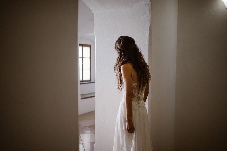 Beautiful bride Beata Balazs is wearing the Boheme bodysuit and the Dusk skirt / Nora Sarman Bridal / photo Wondeer Wedding