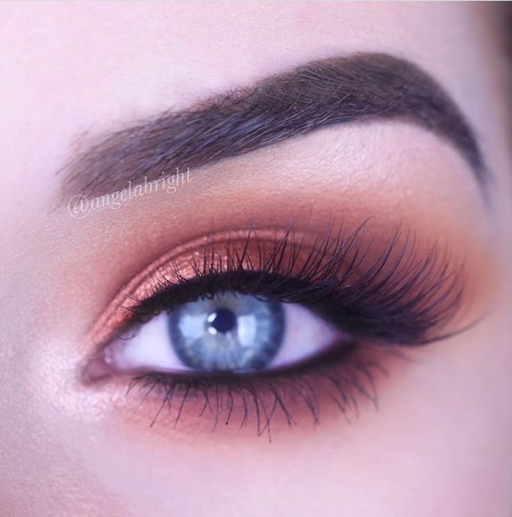 Jeffree Star Androgyny Palette bronze smoked eye with Lotus Lashes No. 7