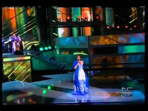 Shaila Durcal y Mariachi Rayna '' Amaneci en tus brazos '' - YouTube