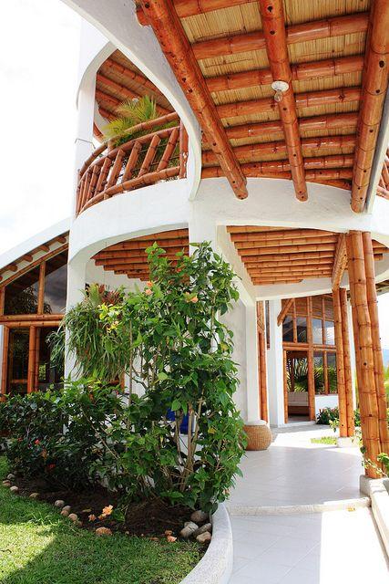 Arquitectura bambú by carolinazuarq, via Flickr