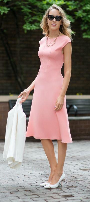 salmon pink flowy skirt midi dress + white blazer + layered pearl necklaces