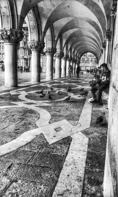 Venezia portici piazza San Marco.......