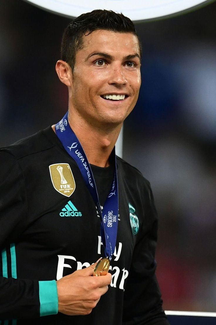 cristiano ronaldo with his UEFA SUPERCUP 2017 medal