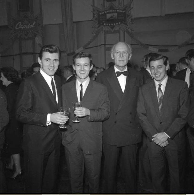 Bruce Welch: Bruce Welch, Brian Bennet, L.G Wood (EMI) And Joe