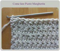 ...un nuovo punto nella Scuola di Uncinetto!  L'autrice, dalle unghie super glitterate, spiega come fare il punto Margherita in un chiarissimo Video Tutorial.  http://www.creativitaorganizzata.it/2014/10/27/punto-margherita-a-uncinetto-video-tutorial-in-italiano/  (tanti altri punti qui: http://www.creativitaorganizzata.it/scuola-di-uncinetto-tutorial-indice-sommario/)