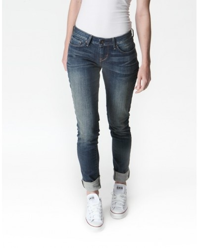 LEVI'S Curve ID - Bold Curve skinny jean, get yours on www.style36.co.za